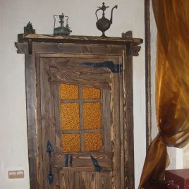 Дверь под старину #16
