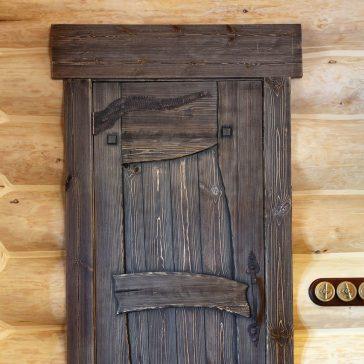 Дверь под старину #17