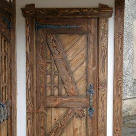 Дверь под старину #8