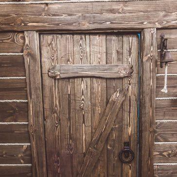 Дверь под старину #9