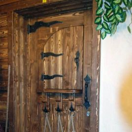 Дверь под старину #27