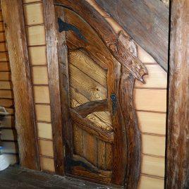 Дверь под старину #46