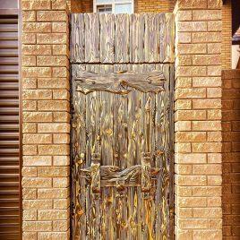 Дверь под старину #54
