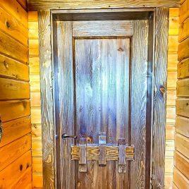 Дверь под старину #57